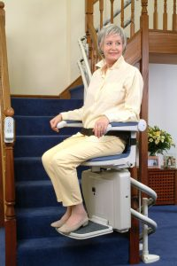 Curved-Round-the-Corner-Stairlift-Minivator-2000